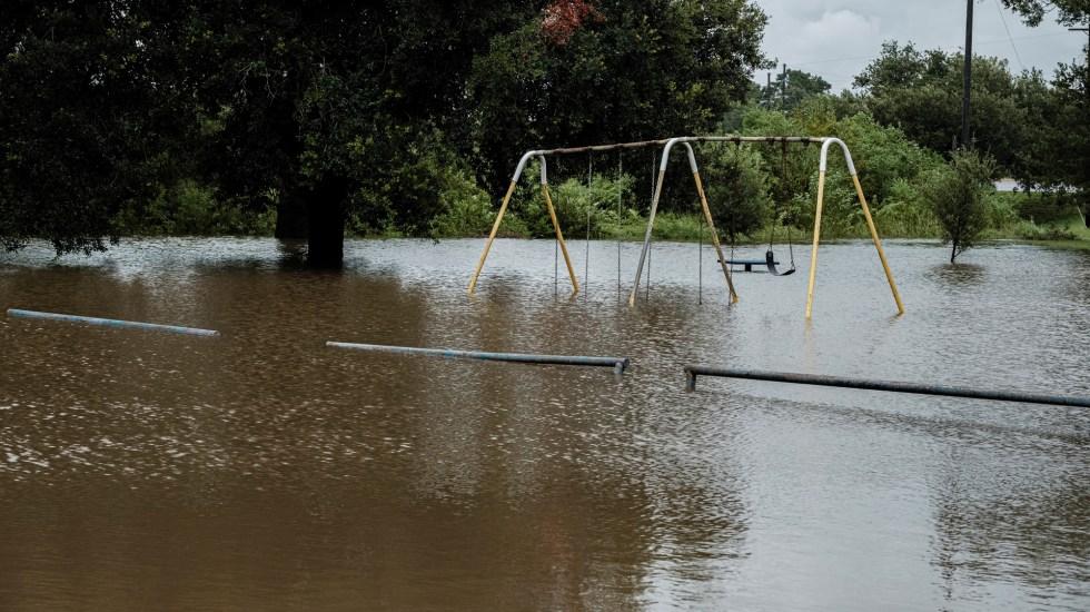 Prevén en EE.UU. más inundaciones y tornados por Laura - Inundación en Louisiana, EE.UU., por el paso del ciclón Laura. Foto de EFE