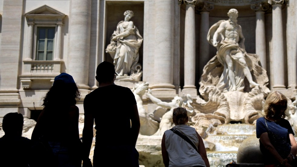 Italia endurece las medidas contra el ocio nocturno en la semana más crítica - Foto de EFE