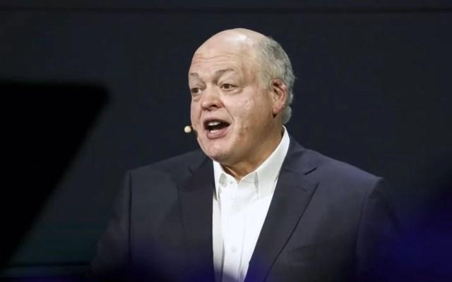 Jim Hackett, CEO de Ford, anuncia su retiro - Foto de Bloomberg