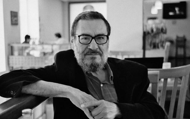Murió a los 73 años el poeta José Vicente Anaya - José Vicente Anaya, en el 2018. Fotografía de Alejandro Arras / Wikicommons.