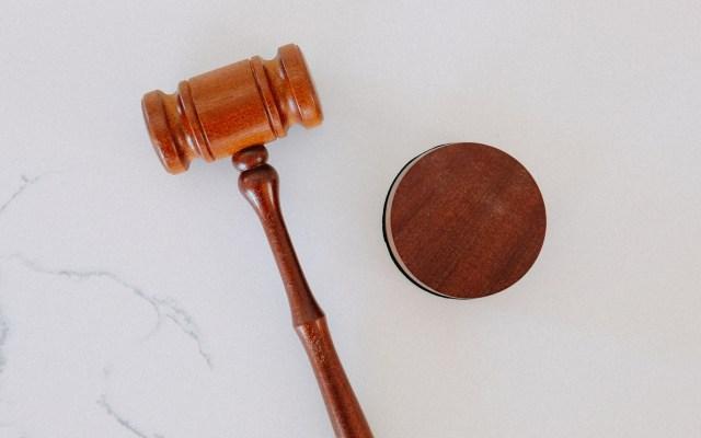 Proponen 'Ley Quemón' para evidenciar a acosadores y deudores alimenticios - Juez juicio justicia