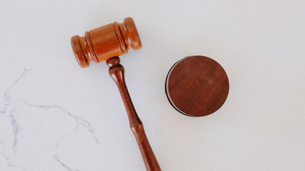 Congelan cuentas de exfuncionario de Puerto Vallarta acusado de abuso sexual y de juez que se negó a procesarlo - Juez juicio justicia