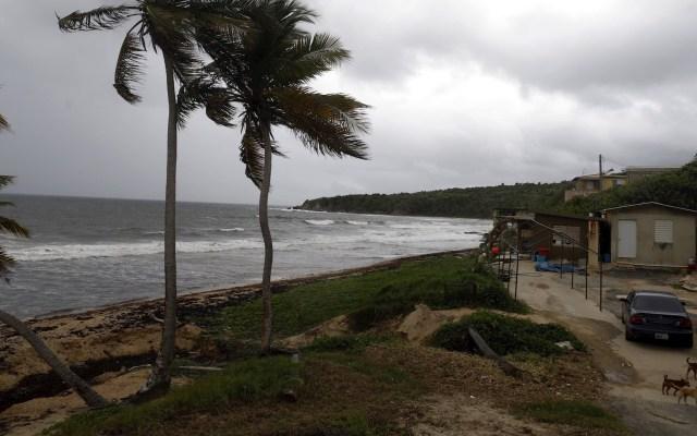 Tormentas Laura y Marco avanzan por el Caribe con un mismo destino: Estados Unidos - Vista de la playa de El Negro en el municipio de Yabucoa en Puerto Rico. Foto de EFE/Thais Llorca/Archivo.
