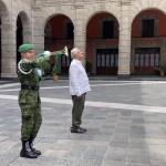 """""""No se ha quedado nadie sin atención médica"""", asegura AMLO en homenaje a víctimas por COVID-19"""