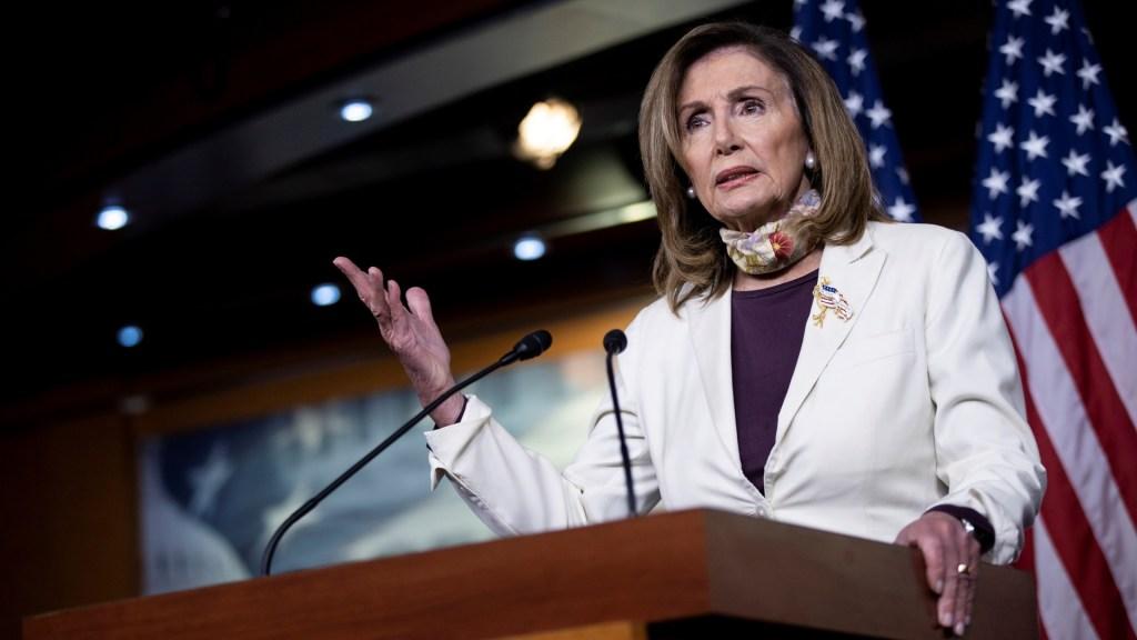 Pelosi califica de 'bazofia inconstitucional' las órdenes económicas de Trump - Nancy Pelosi. Foto de EFE