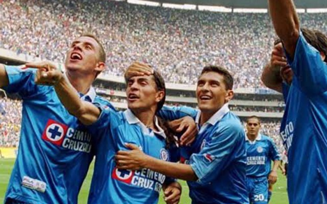 Murió Norberto Ángeles, exjugador de Cruz Azul - Noberto Ángeles, junto a Francisco Palencia, en el emblemático duelo contra River Plata de la Copa Libertadores. Foto de Archivo/ Especial.