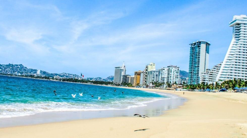 No se permitirá celebrar Año Nuevo en playas de Guerrero, anuncia Héctor Astudillo - Playa de Acapulco, Guerrero. Foto de @AstudilloFloresHector