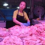 China detecta trazas de coronavirus en alitas de pollo de Brasil
