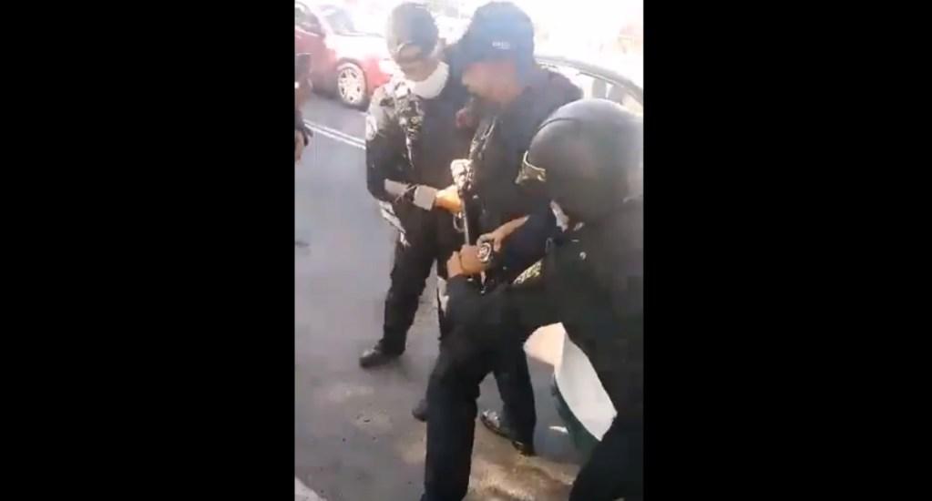 Policías involucrados en riña en la GAM ya están ante el MP; no hubo heridos de bala - Riña Policías golpes GAM SSC