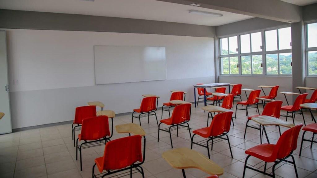 Suspenden clases presenciales en Culiacán por fuertes lluvias - Salón de clases vacío. Foto-López-Dóriga Digital.