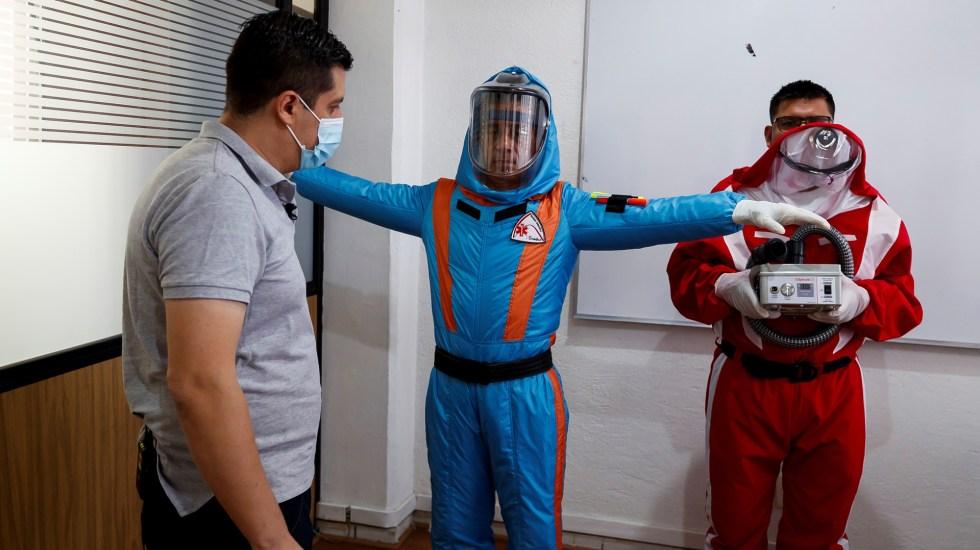 Empresa mexicana se inspira en Star Trek para crear traje inflable contra COVID-19 - Diseño de traje inflable para atención de pacientes con COVID-19. Foto de EFE