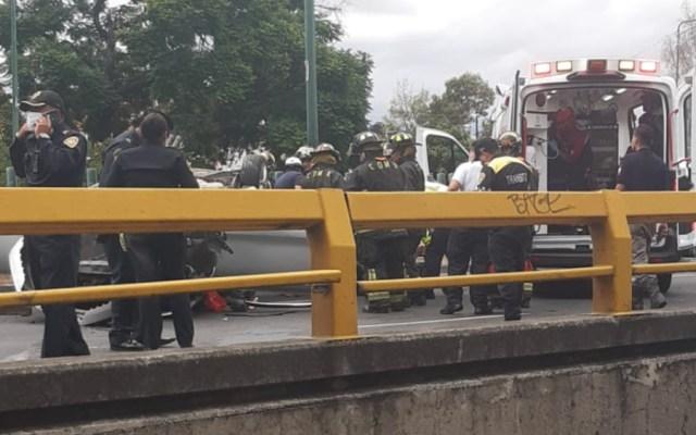 Volcadura en Marina Nacional deja saldo de un muerto y una persona herida - Foto de @tavojeda5