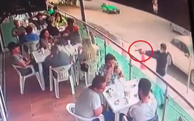 #Video Asesinan en bar de Guanajuato a hombre - Asesinato de hombre en bar de Guanajuato. Captura de pantalla