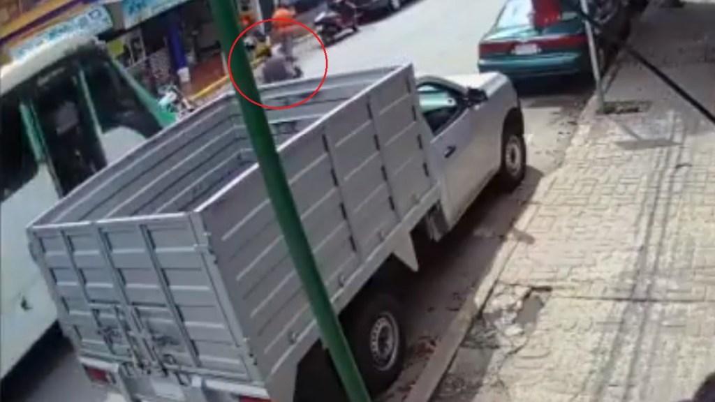 #Video El momento en que niña fue atropellada por microbús en Magdalena Contreras - Atropello de niña de 3 años en la alcaldía Magdalena Contreras. Captura de pantalla