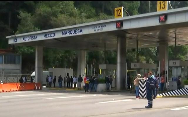 Normalistas toman caseta La Venta de la México-Toluca - Caseta La Venta tomada por normalistas. Captura de pantalla / Foro Tv