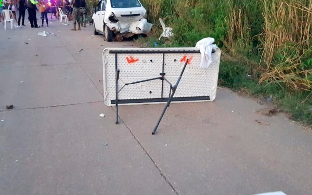 Murió bebé de madre que celebraba 'baby shower' en Coatzacoalcos donde ocho personas resultaron atropelladas - El lunes un sujeto conducía a exceso de velocidad y arrolló a varias personas en Coatzacoalcos, Veracruz. Foto @AlorNoticias