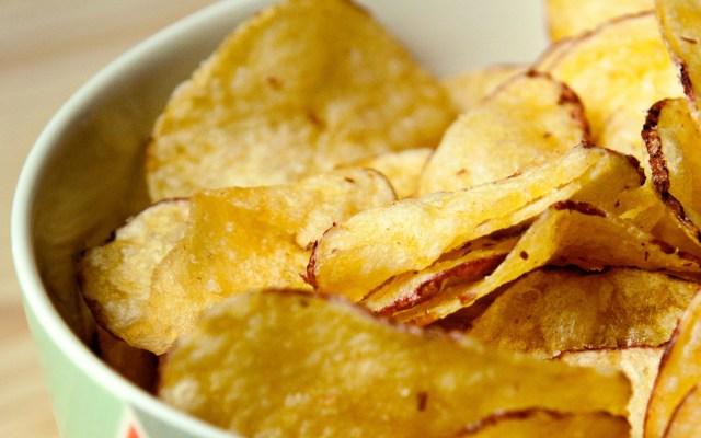 """Entra en vigor ley que prohíbe en Oaxaca venta de """"comida chatarra"""" a menores - Comida chatarra papas fritas"""