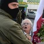 Decenas de miles de bielorrusos desafían al presidente Lukashenko pese a la represión - Detenidos Minsk Bielorrusia Protestas