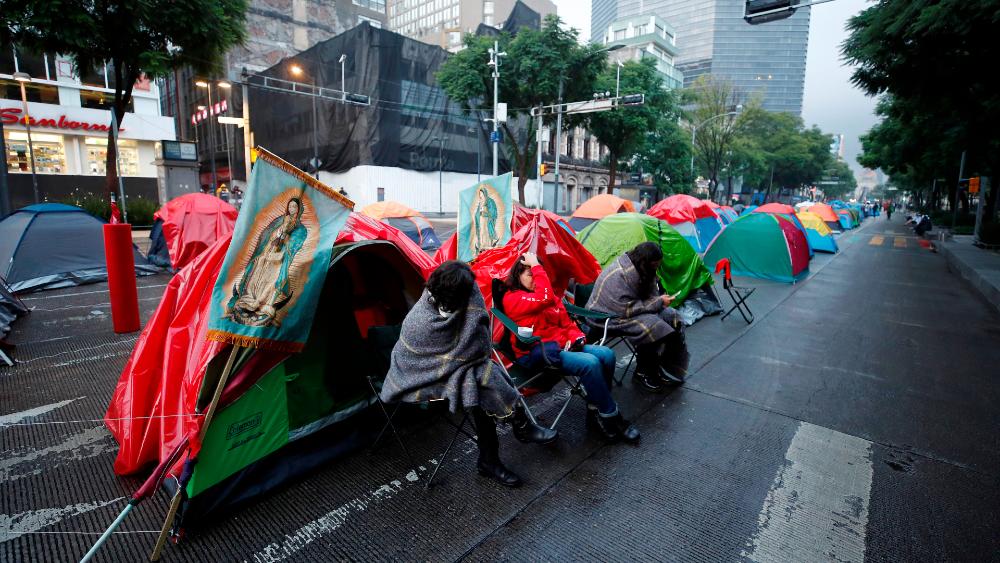 Ciudad de México no evacuará a manifestantes acampados contra López Obrador: Claudia Sheinbaum - Foto de EFE