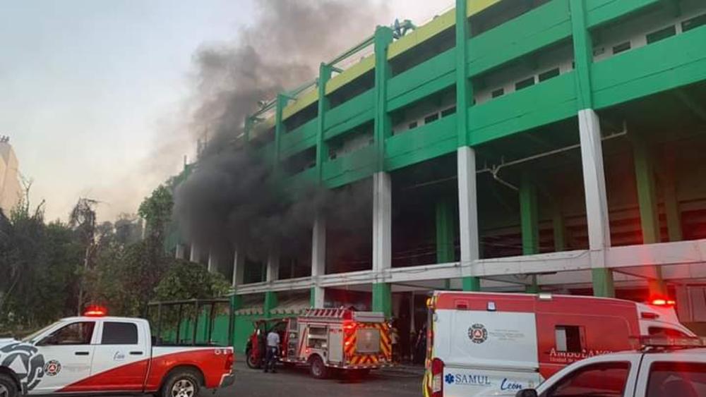 Incendian bodega del Estadio León; hay un detenido - Foto de @FieramaniaMX