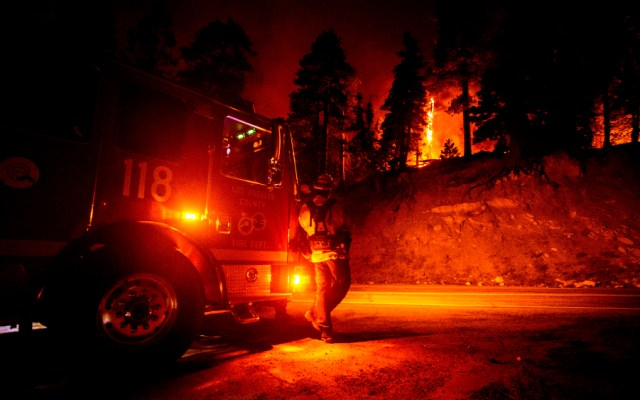 Incendios siguen azotando a California y Oregon; hay decenas de personas desaparecidas - Foto de EFE