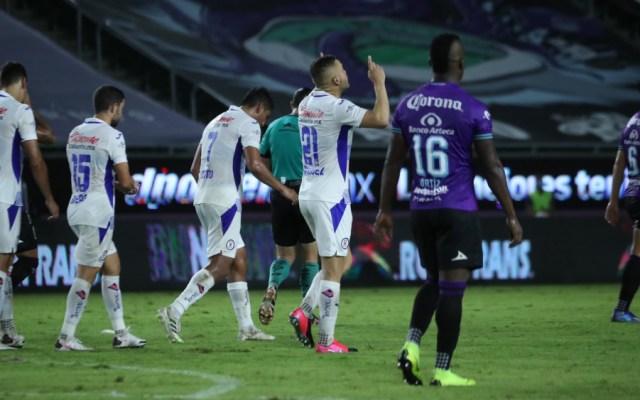 Arturo Brizio aclara polémica arbitral en el Cruz Azul vs Mazatlán - Foto de @CruzAzulCD
