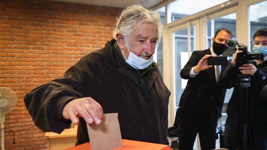 José Mujica confirma su retiro de la política por edad y cuestiones de salud. Noticias en tiempo real