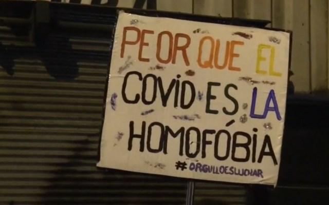 Miles de uruguayos participan en la marcha de la diversidad pese a la pandemia
