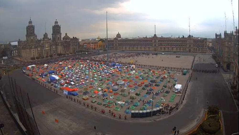 #EnVivo Llega al Zócalo marcha nacional por Ayotzinapa. Noticias en tiempo real