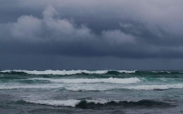 Depresión tropical diecinueve se convertirá en tormenta en las próximas horas; provoca lluvias en Florida - Foto de EFE