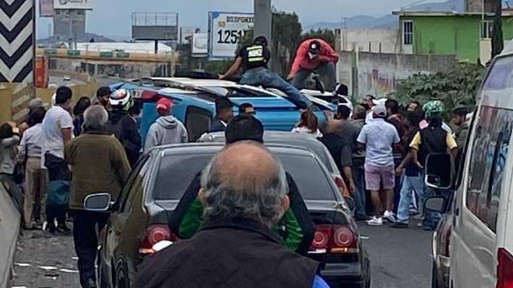 Volcadura en la México-Puebla deja al menos ocho heridos - México Puebla accidente transporte público