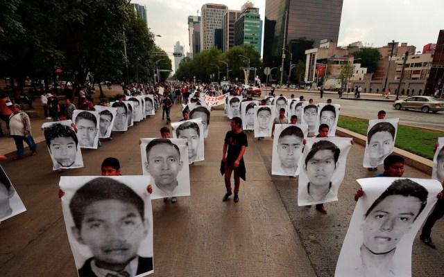 """""""No habrá impunidad para nadie"""" en Caso Ayotzinapa, garantiza López Obrador - Foto de EFE"""