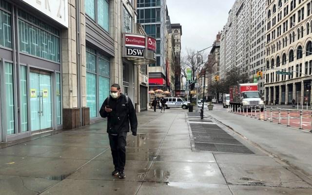 Nueva York registra más de mil casos de COVID-19 en un día por primera vez desde junio - Nueva York y COVID-19. Foto de EFE/Helen Cook/Archivo