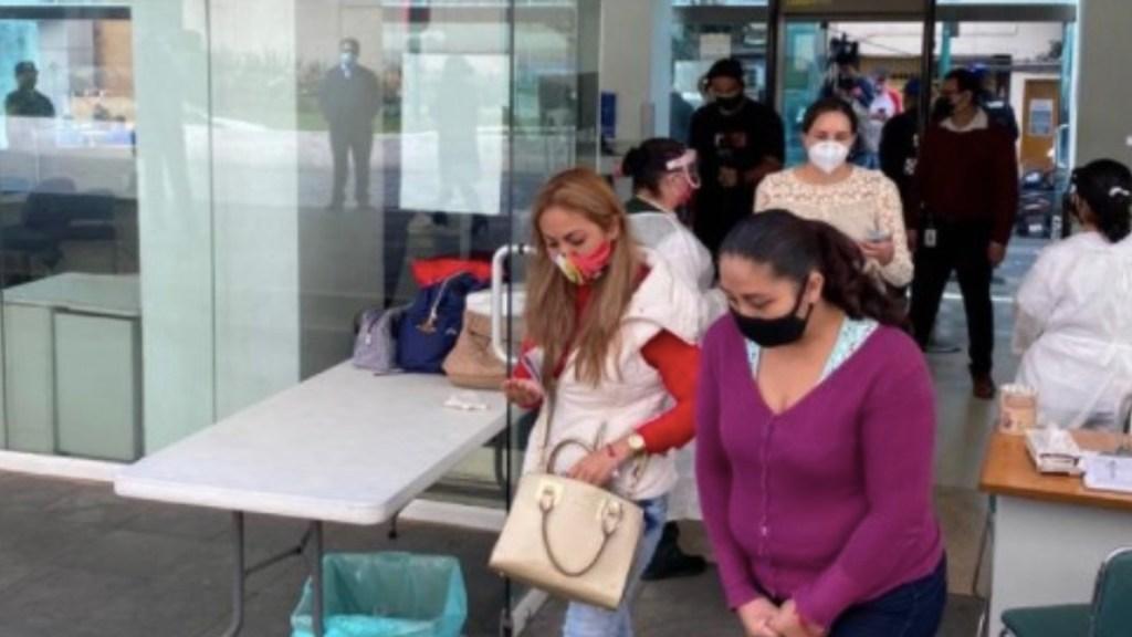 Padres de niños con cáncer se reúnen con Zoé Robledo; exigen abasto de medicamentos oncológicos - Foto de IMSS