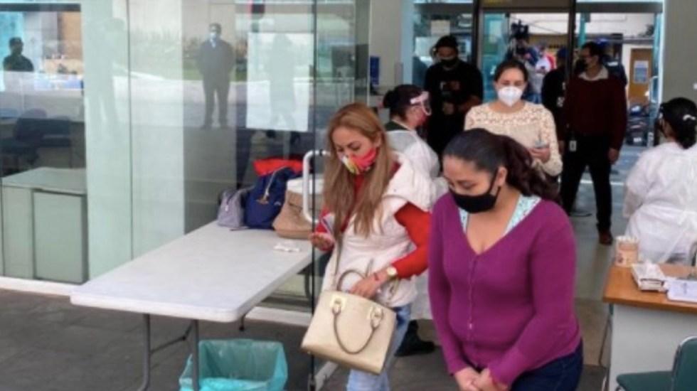Familiares de niños con cáncer bloquean Circuito Interior para exigir medicamentos - Foto de IMSS