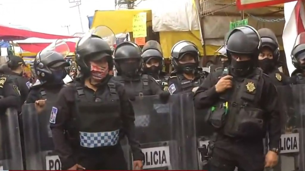 Detienen a al menos nueve personas en Tepito durante operativo antidrogas - Policías que participaron en operativo antidrogas en Tepito. Captura de pantalla / Foro TV