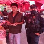 #Fotos Policías frustran suicidio de adolescente; después lo invitan a desayunar