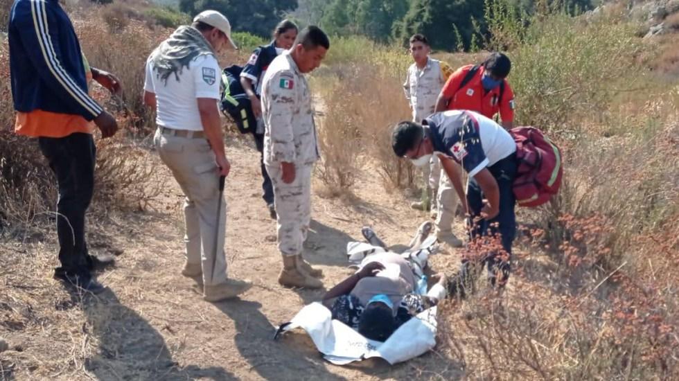 Rescatan en Baja California a dos embarazadas que pretendían cruzar a EE.UU. - Traslado de embarazada al Hospital General de Tecate por presentar un sangrado. Foto de INM