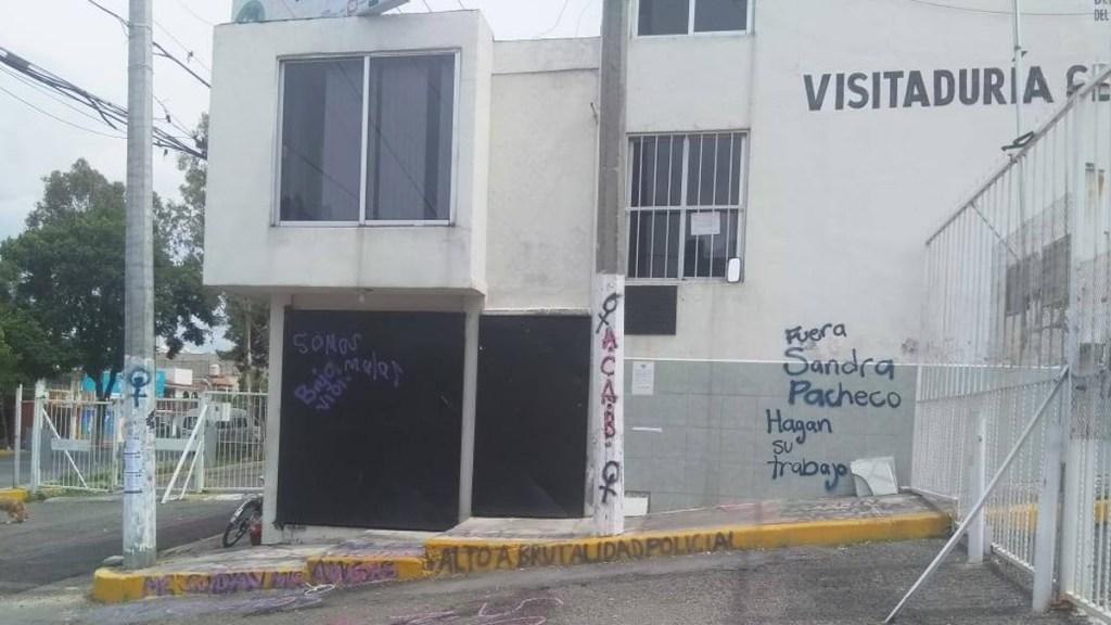 Investigará FGJEM actuación de agentes contra manifestantes en la Codhem Ecatepec - Visitaduría de la Codhem en Ecatepec tras toma por parte de feministas. Foto de @manadaperiferia