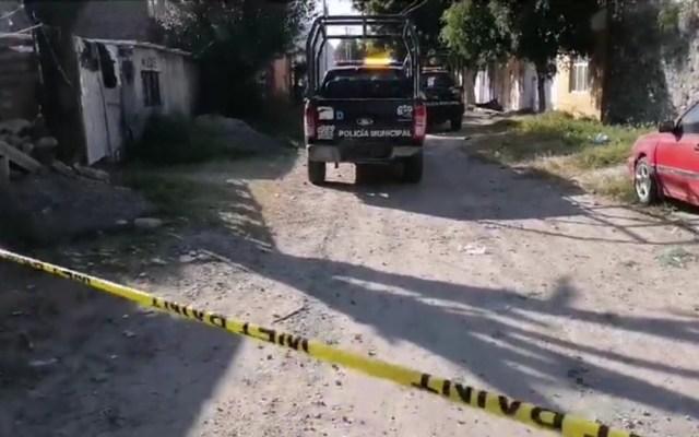 Asesinan en Celaya a siete personas en tres ataques casi simultáneos - Acordonamiento de calle en Fraccionamiento Del Bosque de Celaya por asesinato. Captura de pantalla