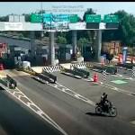 #Video Asesinan a balazos a automovilista en caseta de Edomex