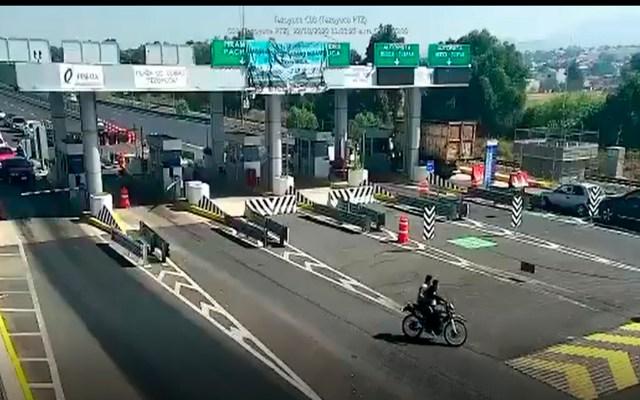 #Video Asesinan a balazos a automovilista en caseta de Edomex - Foto Captura de pantalla