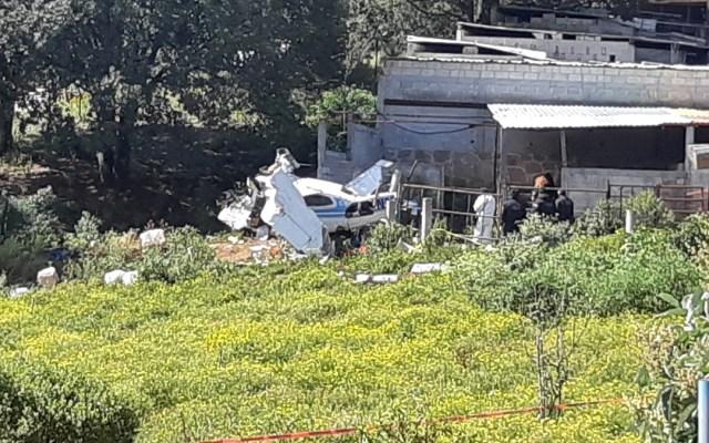 #Video Se desploma en Querétaro avión pequeño durante persecución con Sedena - Avión pequeño que se desplomó en Querétaro. Foto de @ramon_cubo