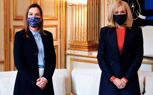 ¡Cuántas cosas en común!, señala Beatriz Gutiérrez tras reunión con Brigitte Macron - Foto de EFE