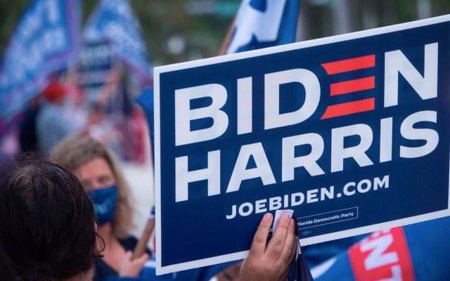 Latinos continúan apegados a Biden en la recta final de las elecciones en EE.UU. - Foto de EFE