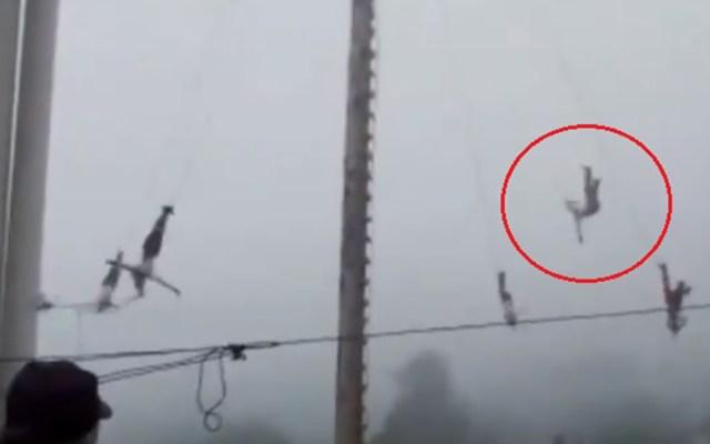 #Video Cae danzante de 'palo volador' en Hidalgo; se encuentra grave - Caída de danzante de 'palo volador' en Hidalgo. Captura de pantalla
