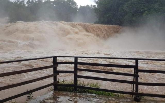 #Video Intensas lluvias en Chiapas provocan desbordamiento de las Cascadas de Agua Azul - Foto de @LaRespuestaChis