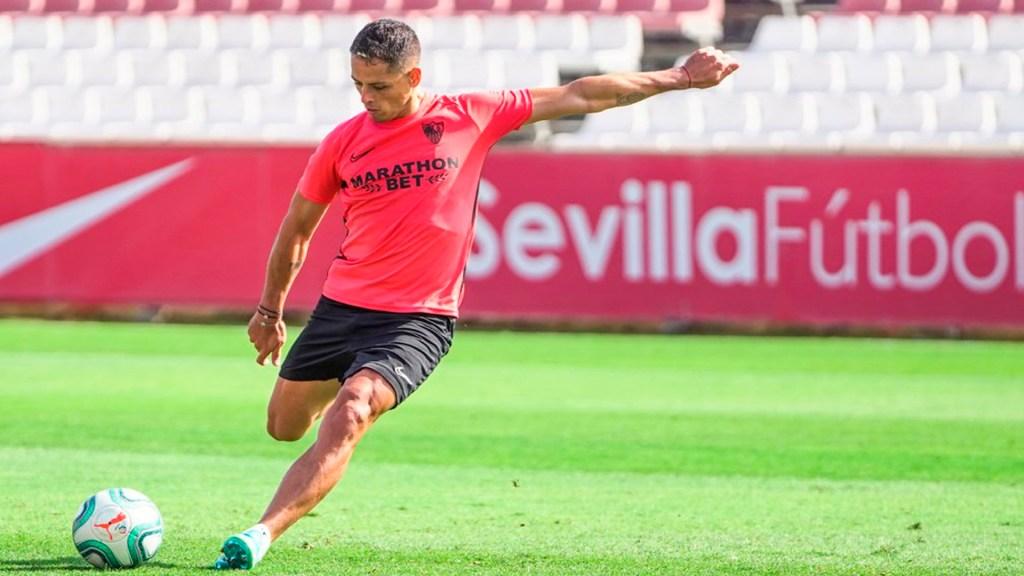 Multa contra 'Chicharito' de la MLS no significa nada, asegura técnico del LA Galaxy - Javier 'Chicharito' Hernández. Foto Twitter @CH14_