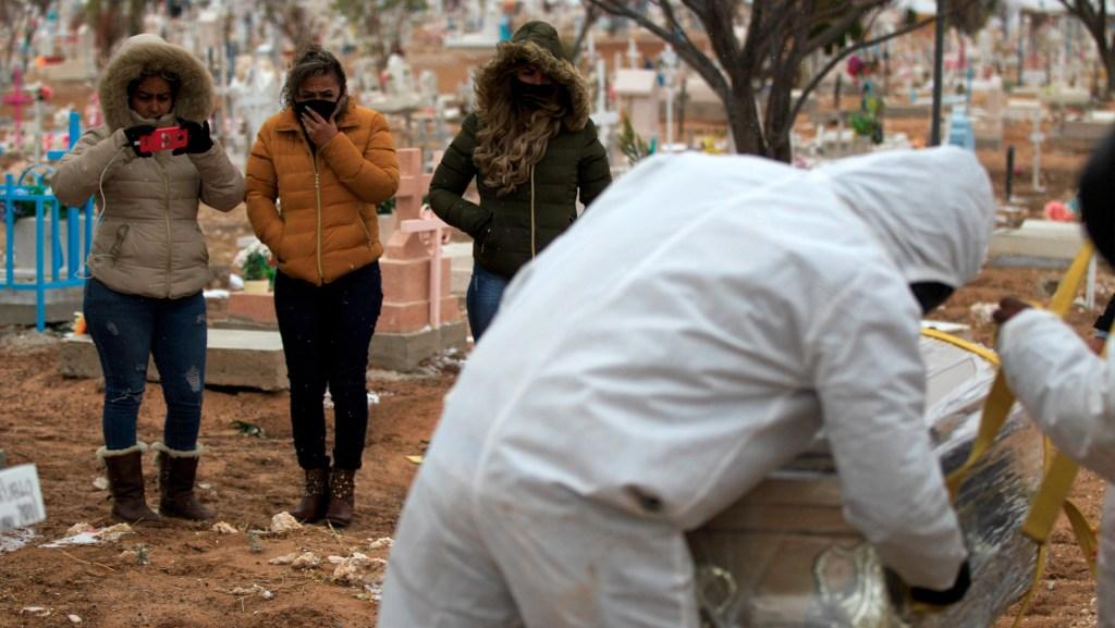 México suma 90 mil muertos por COVID-19 con amenaza de rebrote y temor en algunos estados - Foto de EFE