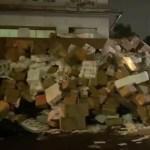 #Video Desalojan dulcerías en La Merced; dejan montañas de dulces y materias primas en banquetas